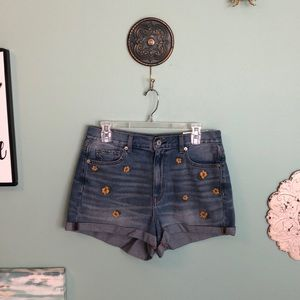 American Eagle Floral Embroidered Mom Short 8 H3
